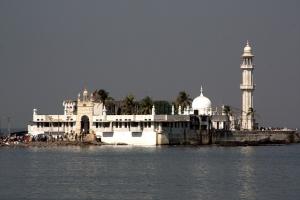 haji-ali-shrine-234231_640